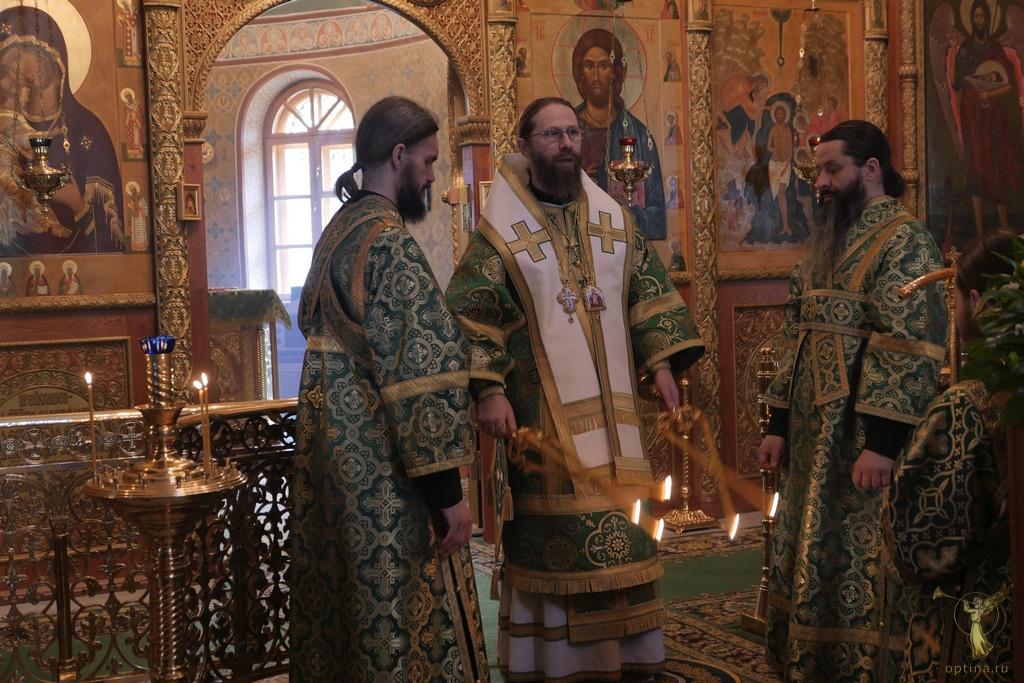 Монастырь Оптина Пустынь опубликовал распсание аудиотрансляций богослужений