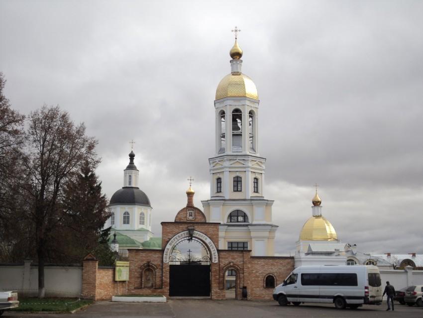 Монастырь Спаса Нерукотворного пустынь в Клыково покажет Пасхальное богослужение в прямом эфире.