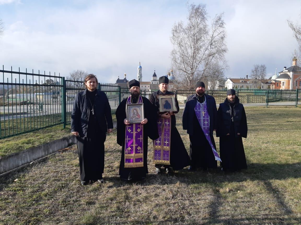 Козельское духовенство совершило автомобильный крестный ход с Калужским образом Божией Матери