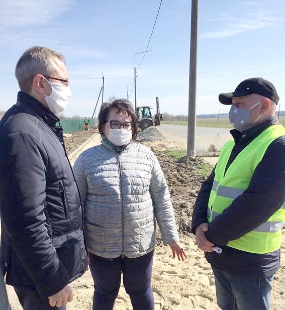 Владислав Шапша оценил ремонт трассы в районе Подборок
