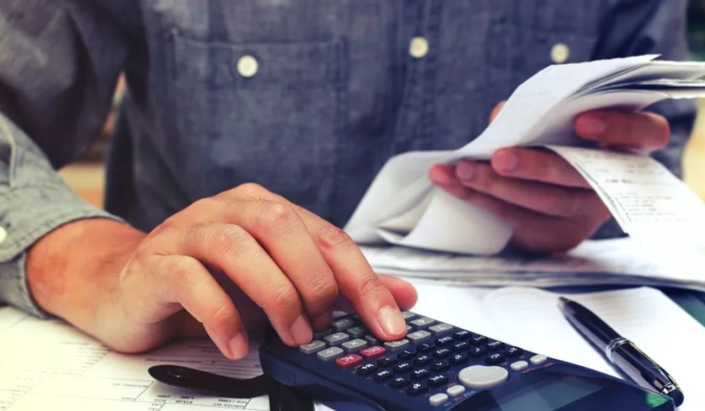 Самозанятым вернут налоги за прошлый год на карту