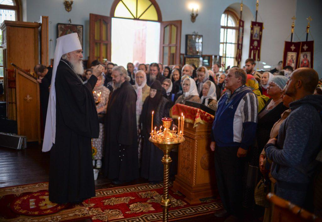 Храмы Козельской епархии снова начнут пускать прихожан