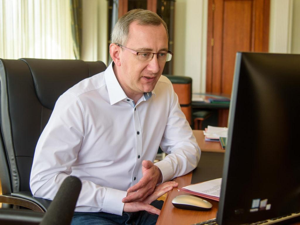 Владислав Шапша призвал чиновников экономить на себе