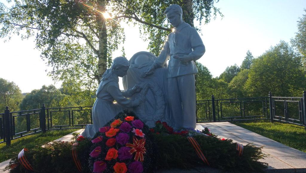 Компания Иннотехмет восстановила братскую могилу в селе Чернышено