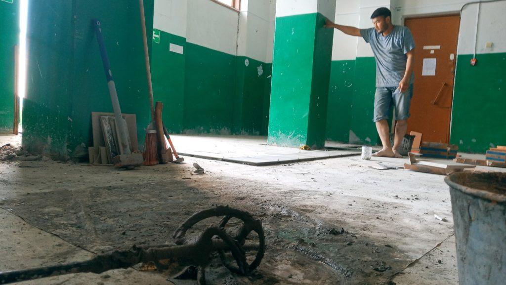 """""""Очень хорошо, что район и область на это отреагировали"""". В Бурнашево продолжается ремонт Дома культуры"""