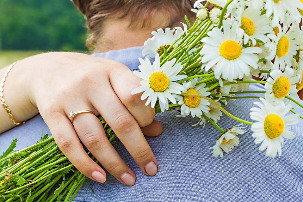 Руководители района поздравляют козельчан с Днем любви, семьи и верности