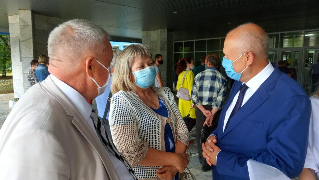 Депутаты регионального парламента поздравили сотрудников приборостроительного завода с удачным пуском ракеты «Протон-М»
