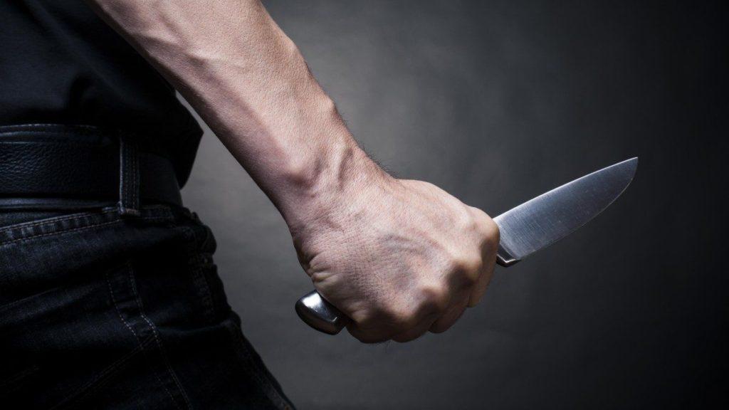нож в спину