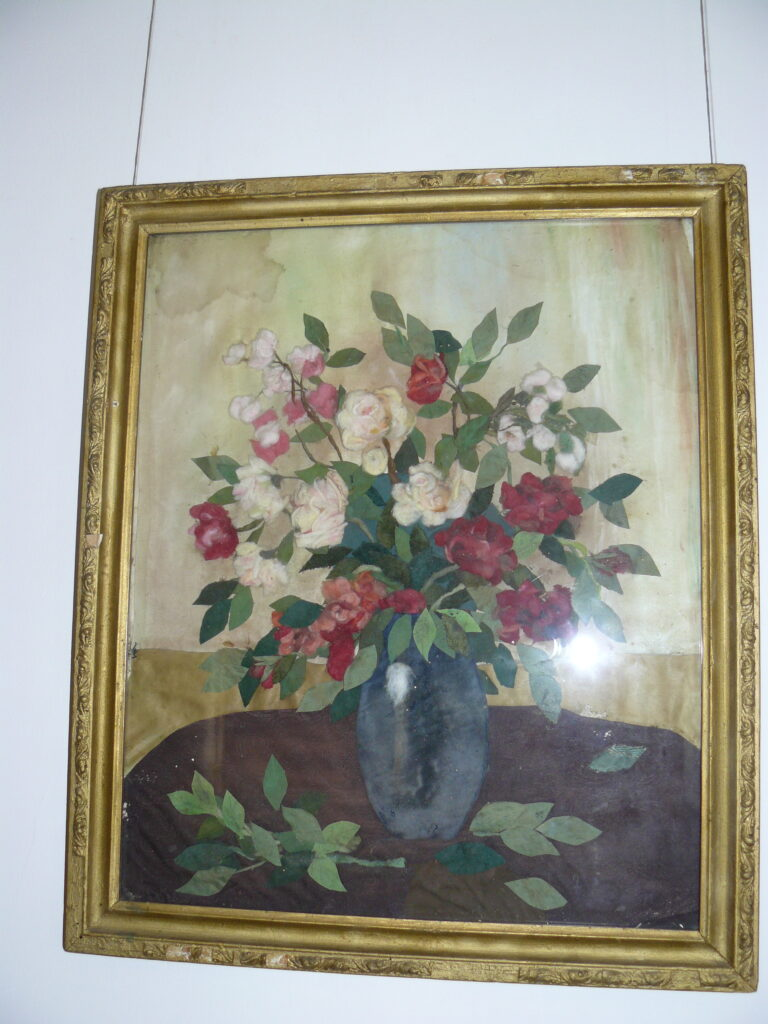 Картины из ваты для Гагарина и Циолковского.  В Доме Цыплаковых работает необычная выставка