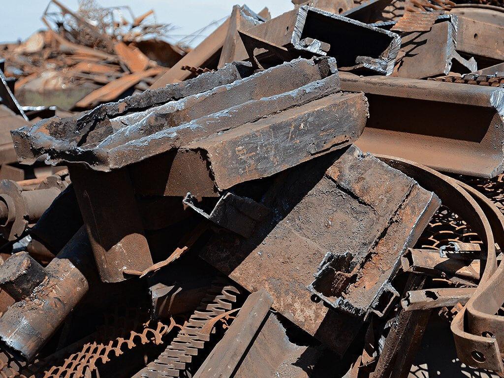 В Дешовках Козельского района похитили металлическую конструкцию с плотины
