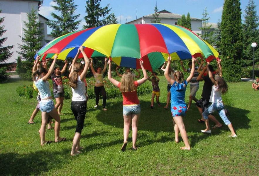 Почти 600 козельских детей могут пойти в школьные лагеря