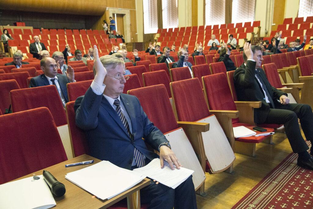 Новости Заксобрания. Новый председатель, поздравление губернатора, кем стал Виктор Бабурин?