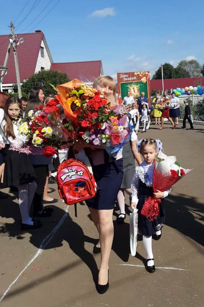 Главный парламентарий области Виктор Бабурин поздравил 4 школу со столетним  юбилеем
