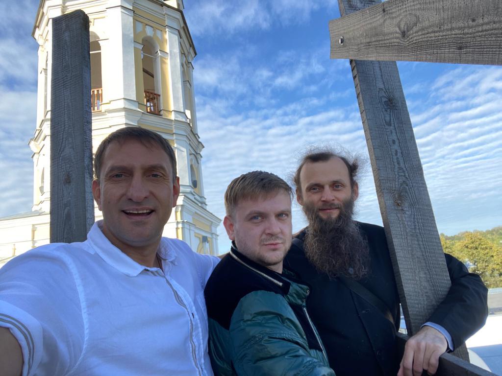 «Будьте трезвы, живите счастливо!». Священник Никольского храма Сергий Дрозд рассказал об автопаломничестве в Серпухов