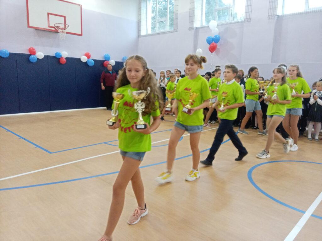 В школе села Попелёво сегодня торжественно открыли обновленный спортзал