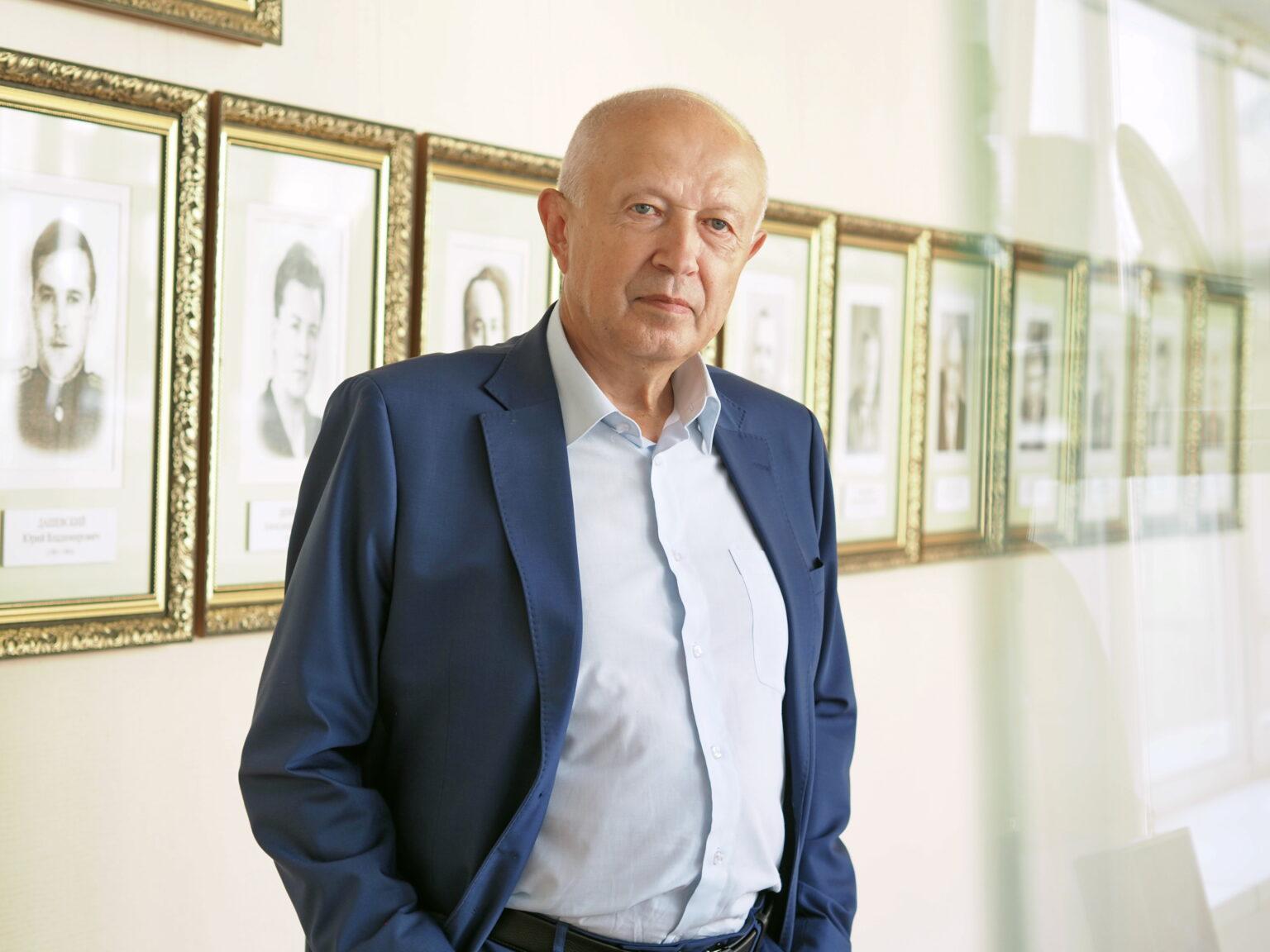 Виктор Бабурин поздравил коллектив Сосенского приборостроительного завода с 45-летием предприятия