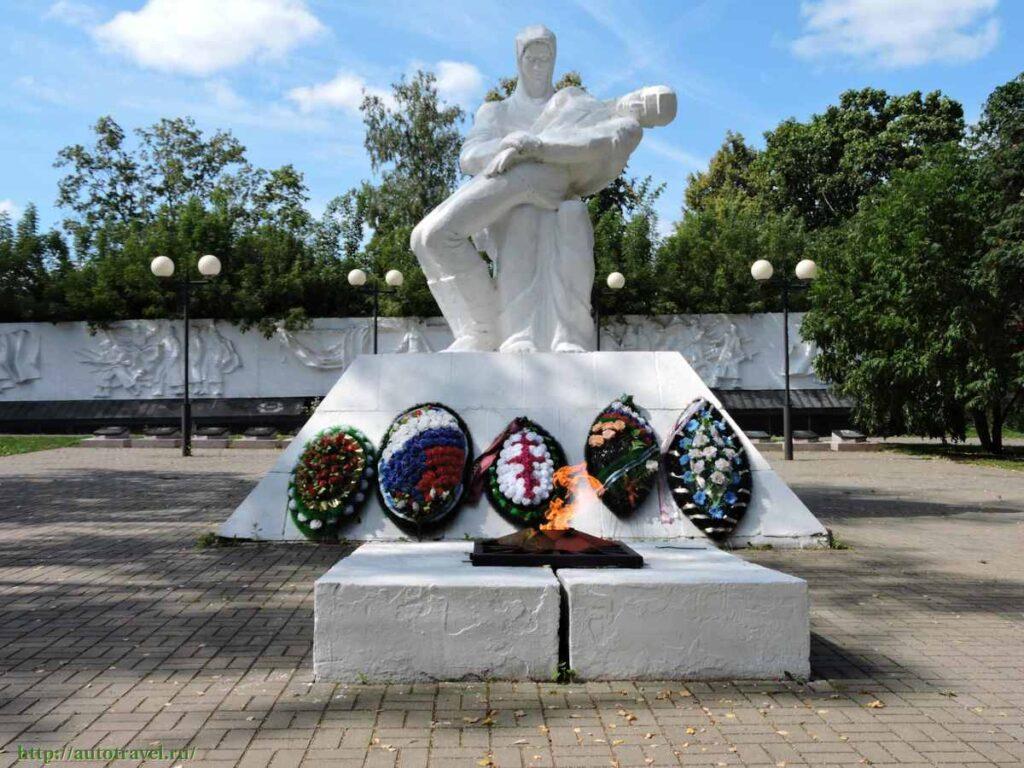 памятник в Козельске