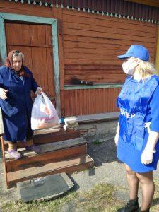 Соцработники и волонтеры снова готовы покупать продукты козельчанам 65+